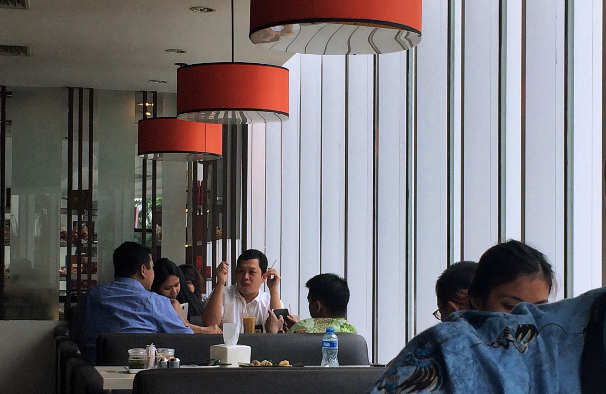 Some restaurants in Indonesia still provide indoor smoking sections for diners.